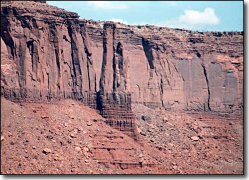 Cliffs of Navajo Sandstone
