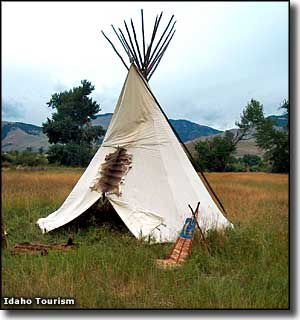 Teepee at the Sacajawea Visitor Center