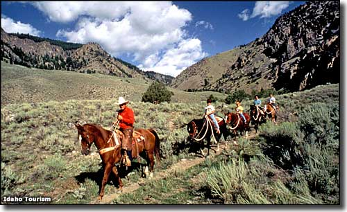 Horseback riding in the Challis area