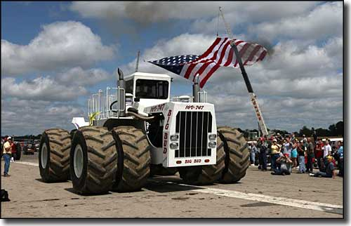 Big Bud 747, the world's largest farm tractor